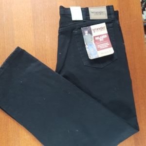 Wrangler Relaxed Fit Black Jeans 40x32
